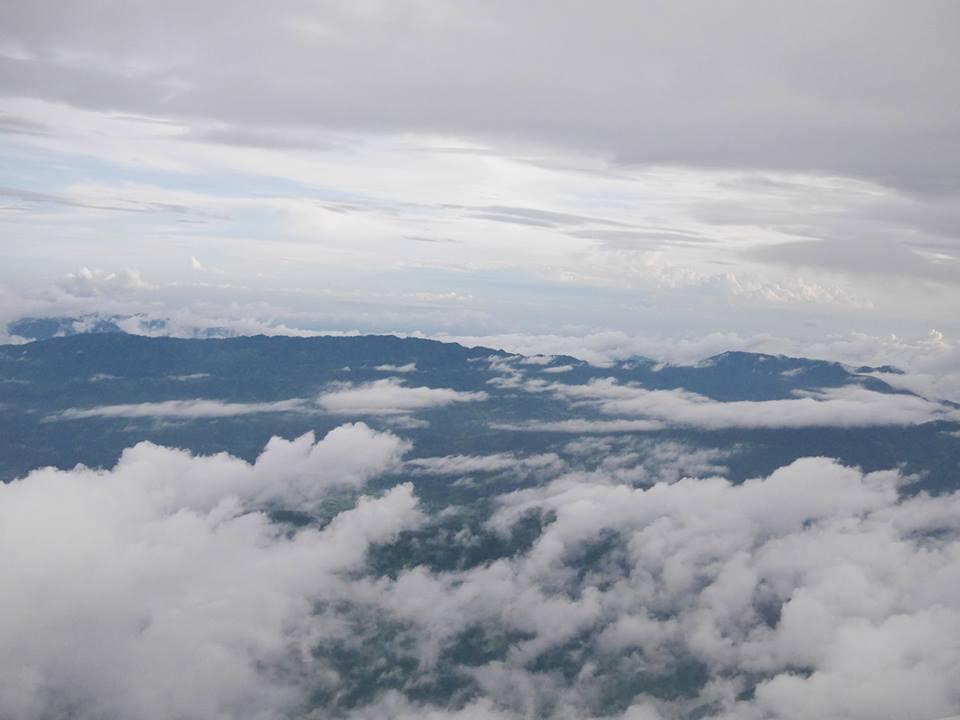 雲に覆われるヒマラヤ